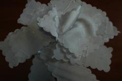 obrusy plamoodporne białe