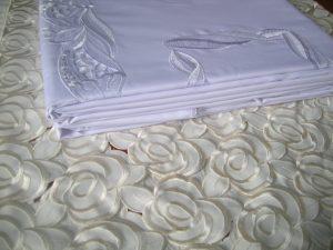 Obrusy haftowane